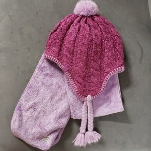 Girls North Face Purple Hat and Scarf